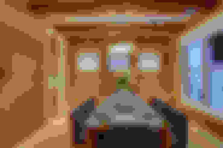 61 Paintbrush Park:  Dining room by Sonata Design