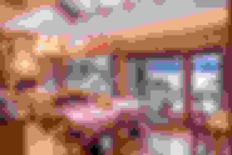 Vivienda Unifamiliar: Comedores de estilo  por Sidoni&Asoc