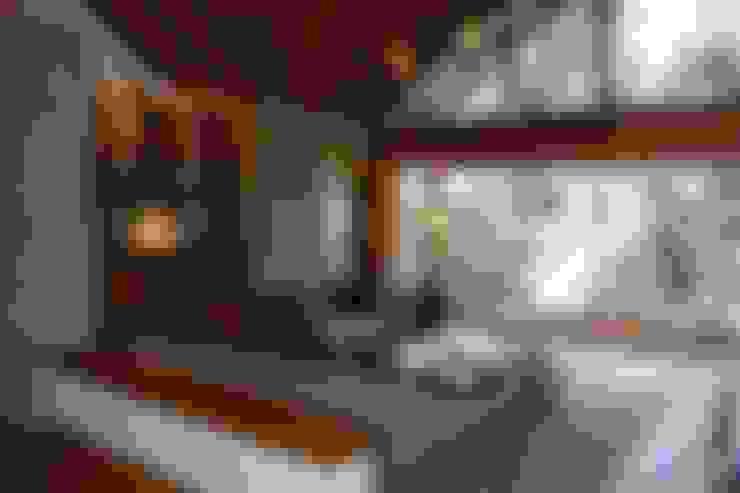 Living room by Sidoni&Asoc