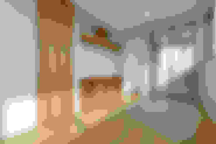 غرفة الميديا تنفيذ 株式会社Fit建築設計事務所