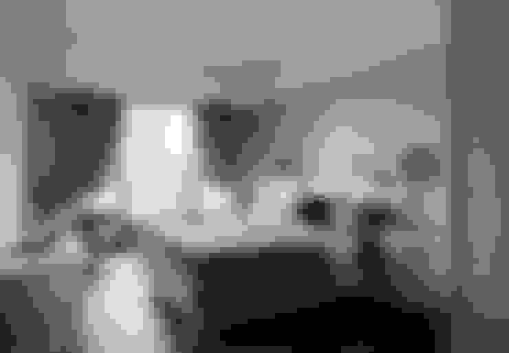 尋找古典的本質:  臥室 by 大荷室內裝修設計工程有限公司