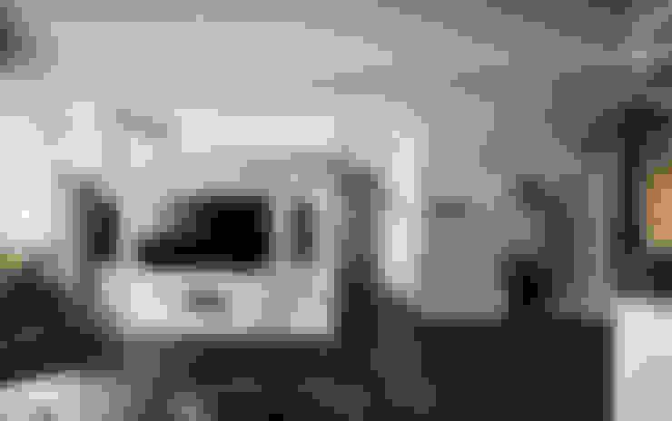 華麗綻藍.林森忠泰:  客廳 by DYD INTERIOR大漾帝國際室內裝修有限公司
