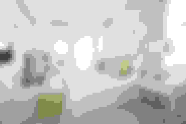 Guest Bedroom:  Bedroom by Tru Interiors