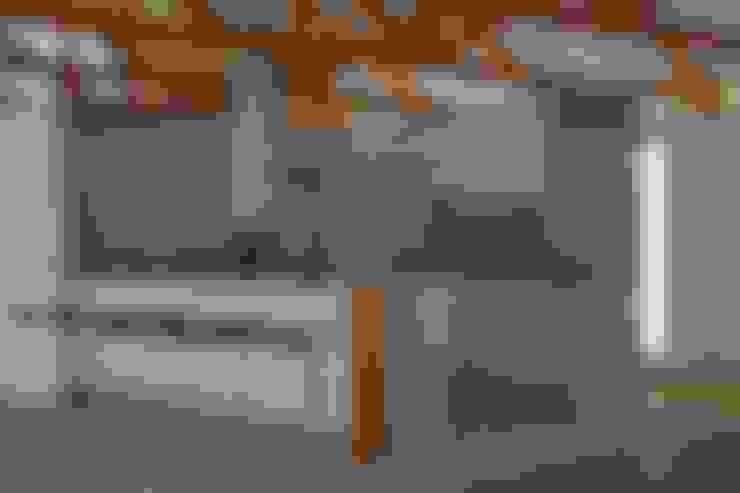 CASA VILLA DE LEYVA: Cocinas de estilo  por santiago dussan architecture & Interior design