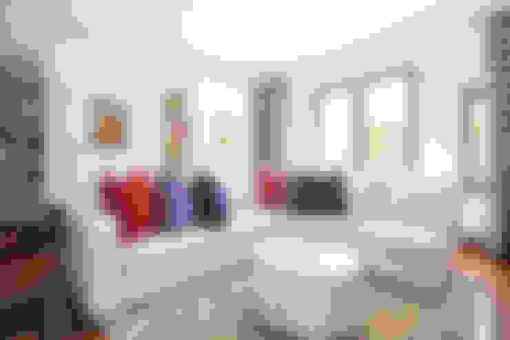Playroom:  Nursery/kid's room by Tru Interiors
