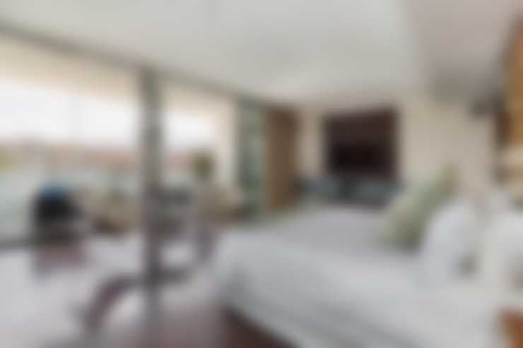 Apartment Robertson - Pembroke:  Bedroom by Covet Design