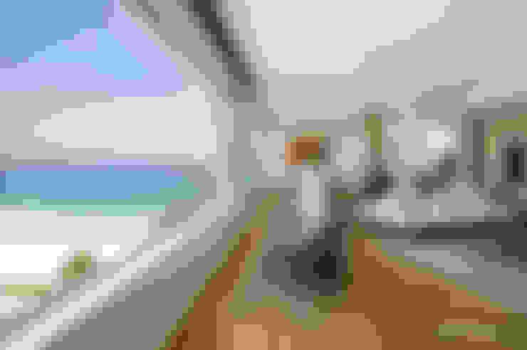 Clifton Apartment:  Windows by Make Architects + Interior Studio