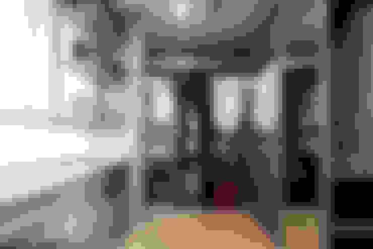 時尚經典-廖公館:  更衣室 by IDR室內設計
