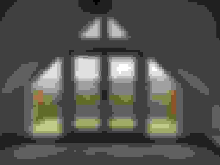 Окна в . Автор – Roundhouse Architecture Ltd