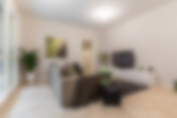 Living room by Bologna Home Staging