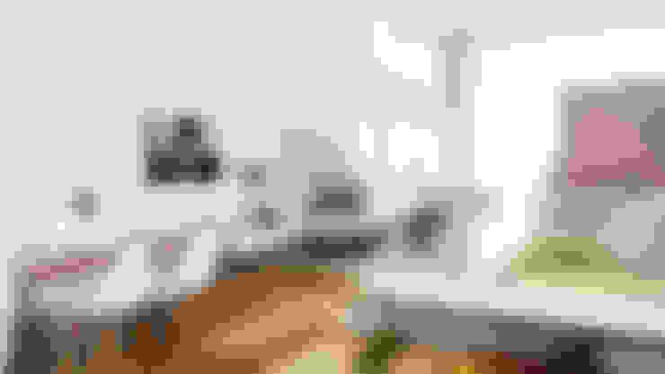 غرفة المعيشة تنفيذ Planungsgruppe Korb GmbH Architekten & Ingenieure
