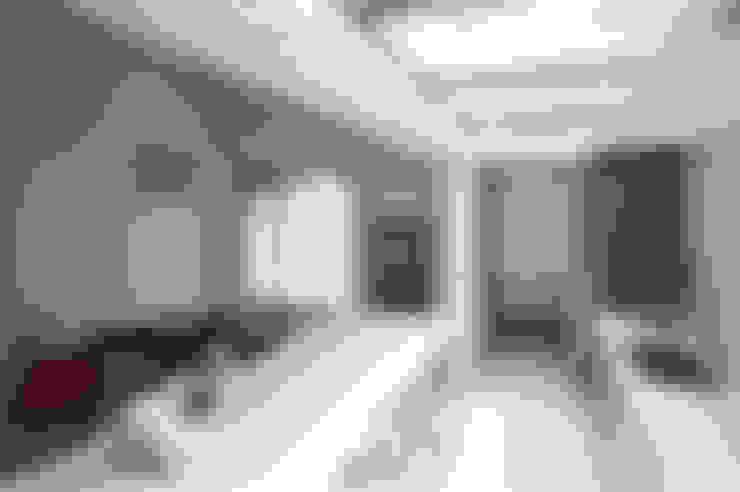 Dining room by 有容藝室內裝修設計有限公司