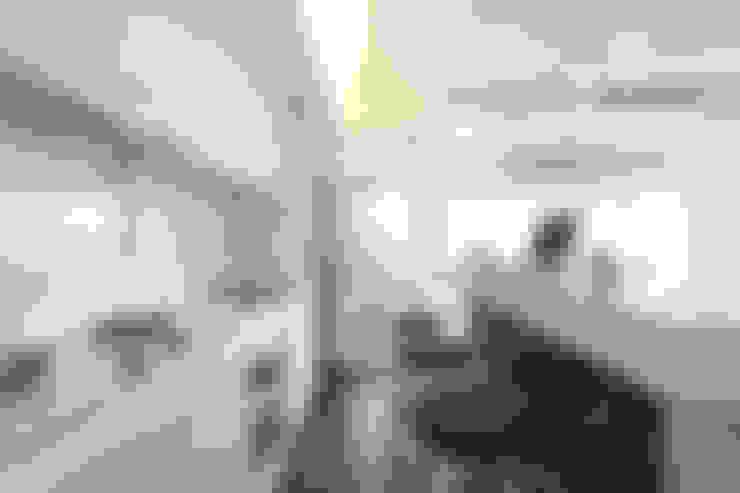 北投 陽明山廈 林宅:  廚房 by 直譯空間設計有限公司
