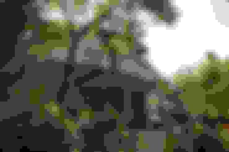 SHIHYAO_青潭森林宅:  房子 by 翔霖營造有限公司