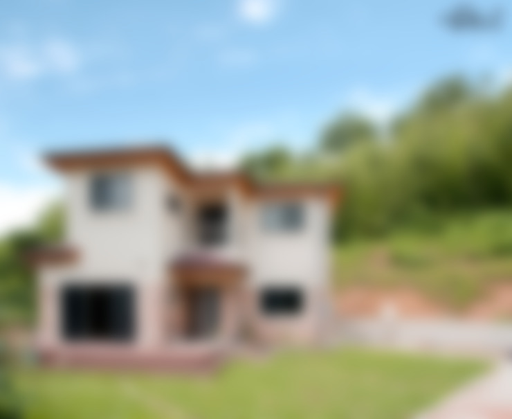 정갈하고 깔끔한 고급스러운 전원주택: 꿈애하우징의  주택