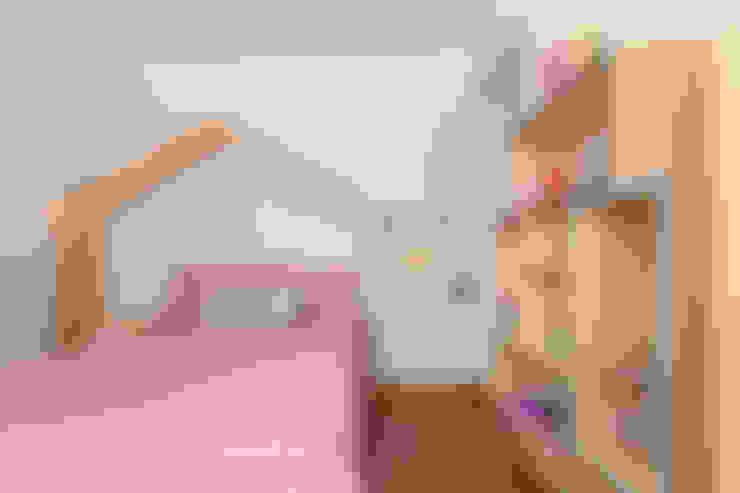 Cuartos infantiles de estilo  por Projeto Bem Bolado