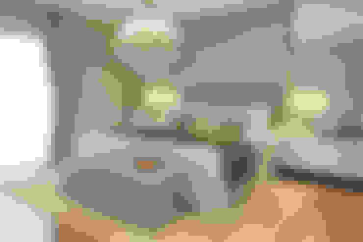 Dormitorios de estilo  por STUDIO GUTO MARTINS