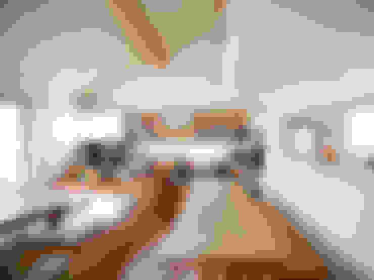 Ruang Keluarga by 樋口章建築アトリエ