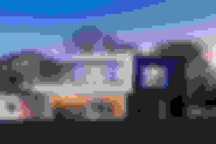 Nhà by Barc Architects