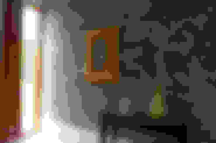 Una CASA DE CAMPO para soñar: Salas / recibidores de estilo  por malu goni