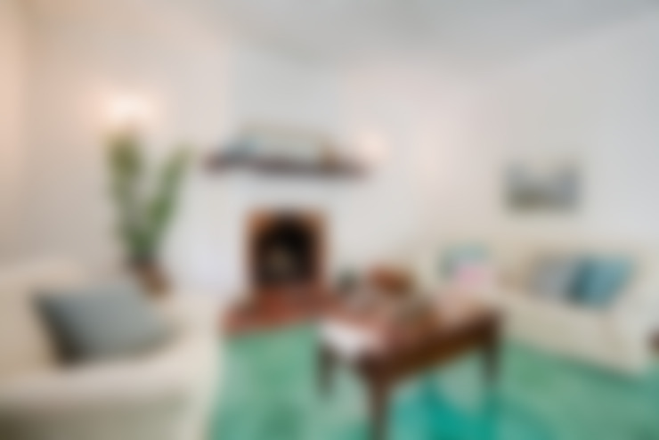 Ruang Keluarga by MakeUp your Home