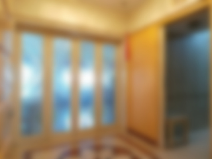 :  Corridor & hallway by Koncept Architects & Interior Designers,