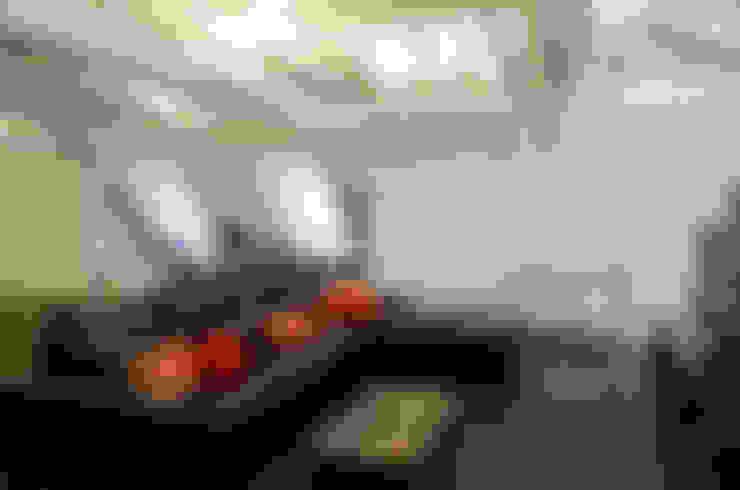 IMPECABLEMENTE CLASICA: Salas multimedia de estilo  por LLACAY arquitectos
