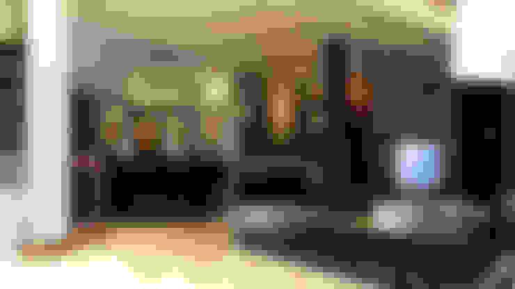 Modern Reception :  غرفة المعيشة تنفيذ Boly Designs