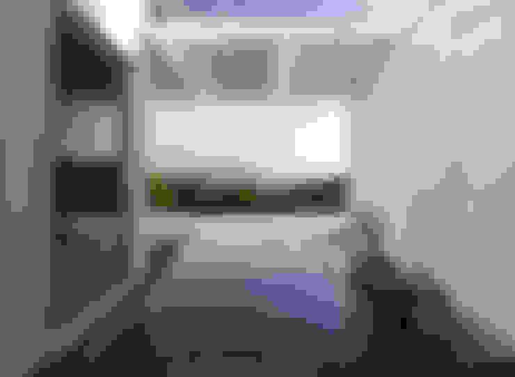 TARIFA HOUSE: Casas de estilo  por james&mau