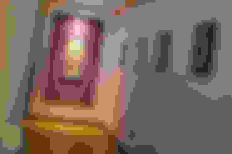 Pasillos y hall de entrada de estilo  por Arq. Beatriz Gómez G.