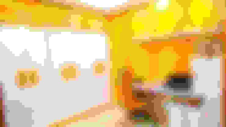 Oficinas y tiendas de estilo  por Nifty Interio