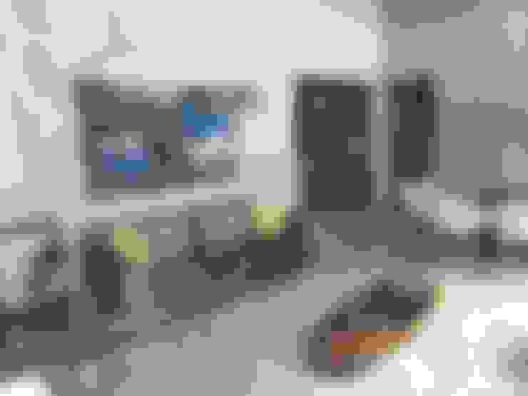 غرفة المعيشة تنفيذ Caio Pelisson - Arquitetura e Design