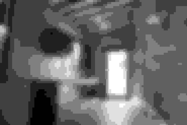 ห้องครัวไทยสไตล์ลอฟท์:  ห้องครัว by P-lona