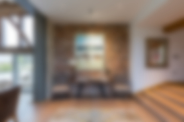Hall:  Corridor & hallway by Studio Mark Ruthven