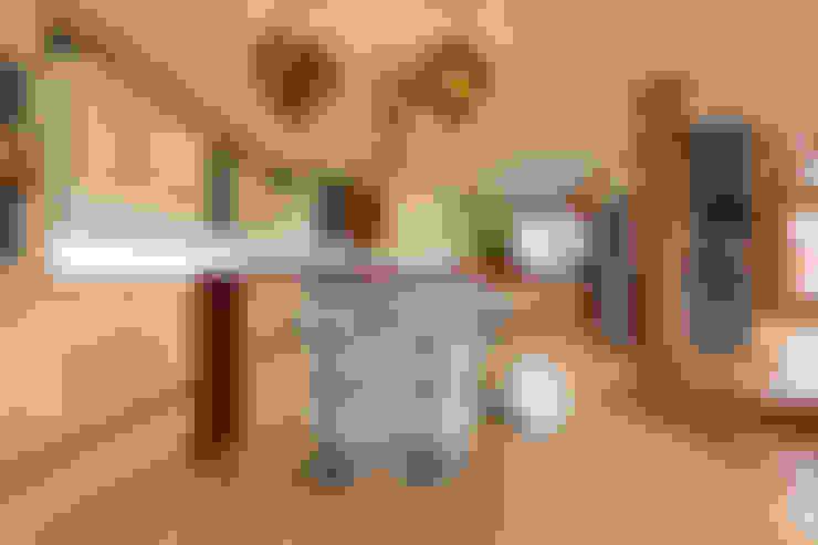Cocinas de estilo  por Redesign Interiors