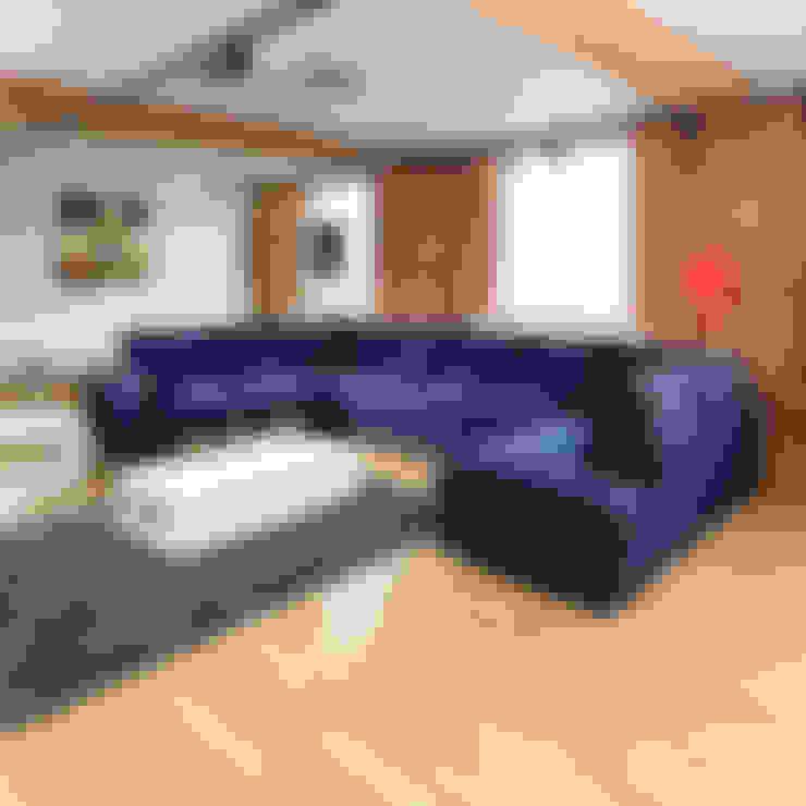 Living room by Quatropi ltd