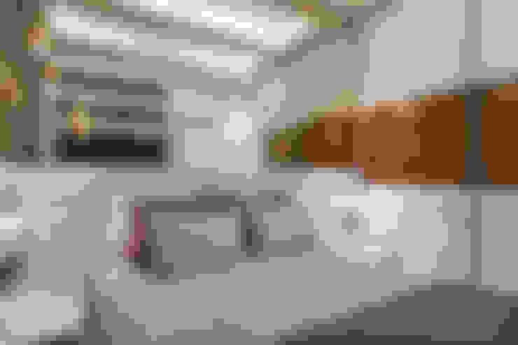 Kamar Tidur by Designer de Interiores e Paisagista Iara Kílaris