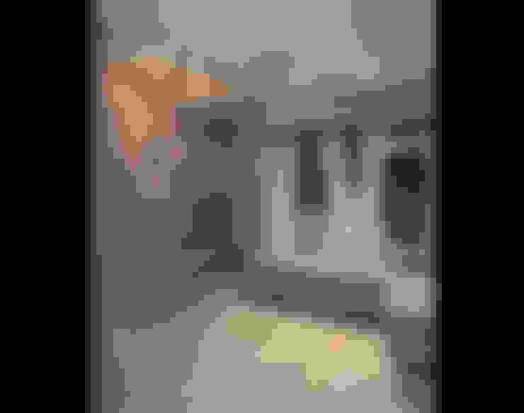 :  Corridor & hallway by Eisner Design