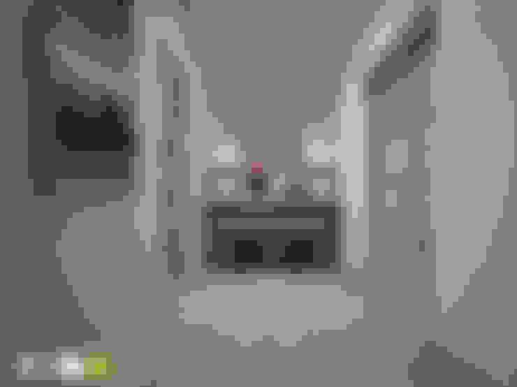 Koridor dan lorong by Мастерская интерьера Юлии Шевелевой
