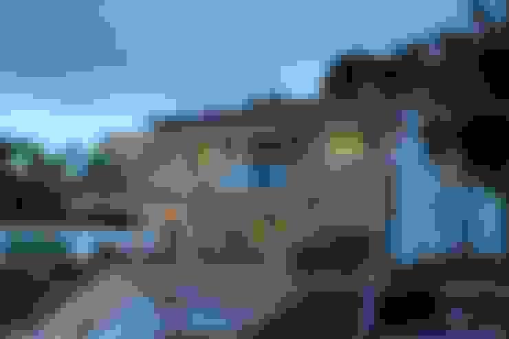 EXTERIOR: Casas de estilo  por IngeniARQ