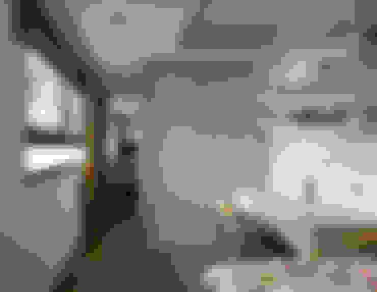 早安日光,40年老屋新生的清新印象:  臥室 by 大集國際室內裝修設計工程有限公司