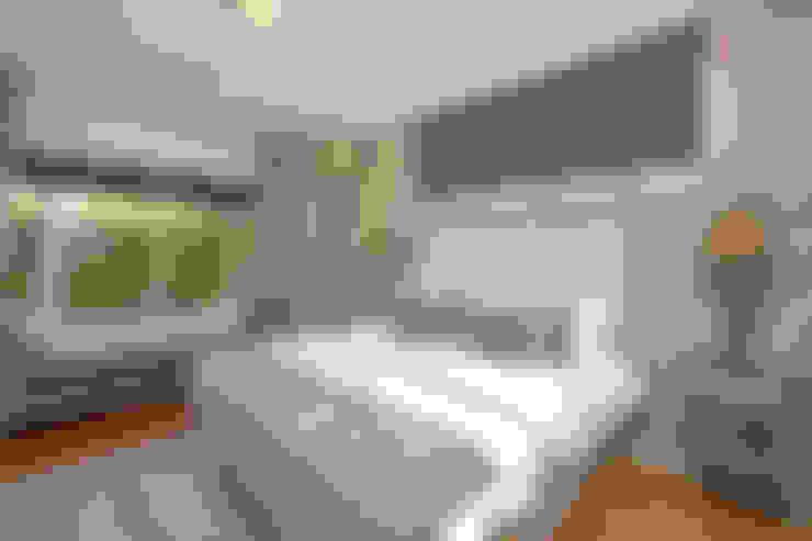 bedroom:  Bedroom by Till Manecke:Architect
