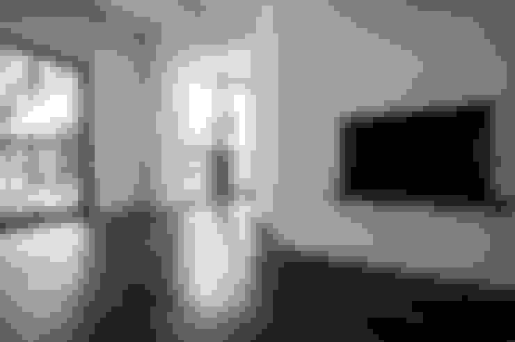 Living room by NOVACOBE - Construção e Reabilitação, Lda.