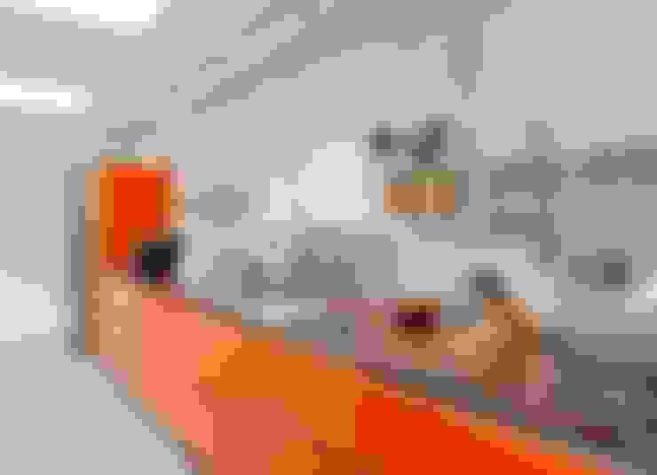 Cocinas de estilo  por RÄUME + BAUTEN