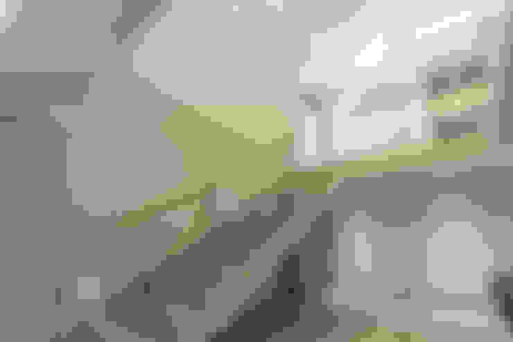 走廊 & 玄關 by Flaneur Architects