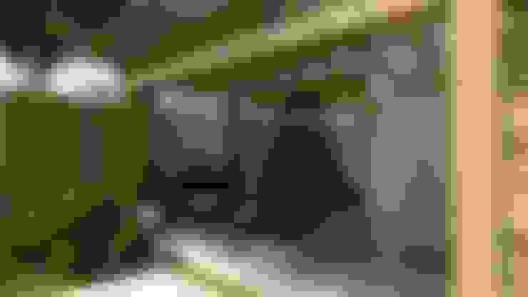 Garage/shed by Cíntia Schirmer | arquiteta e urbanista