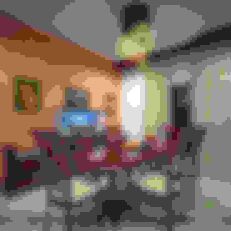 Timeless Beauty...:  Dining room by Premdas Krishna