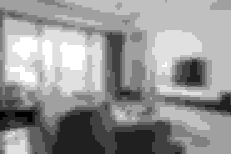 森.光景 Wood-Scape:  客廳 by 理絲室內設計有限公司 Ris Interior Design Co., Ltd.