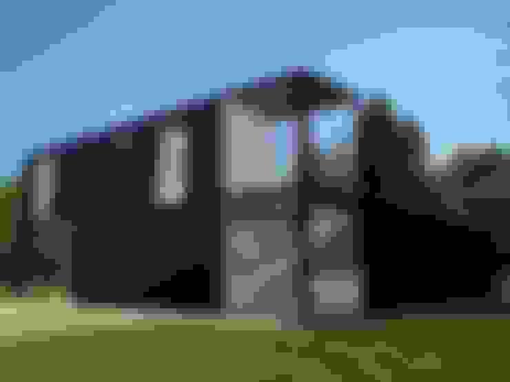Casa container - vista frontal: Casas  por PRISCILLA BORGES ARQUITETURA E INTERIORES