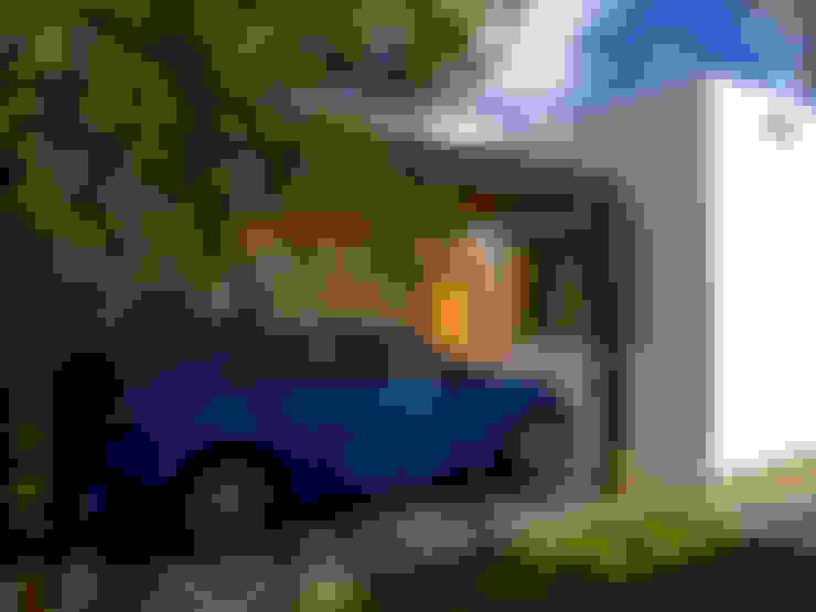 Garagens e arrecadações  por TIZA